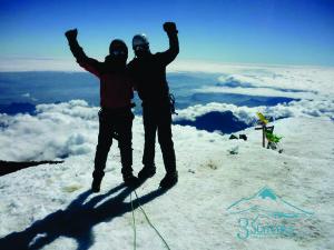 Celebrando Cumbre en el Pico de Orizaba - 3Summits