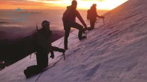 Amanecer en el glaciar del Pico de Orizaba