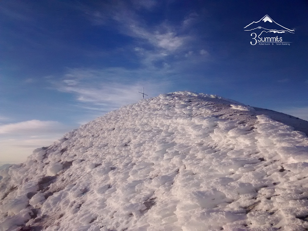 Cruz en la cumbre del Pico de Orizaba