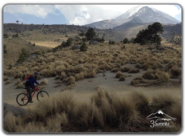 Descenso en bici del refugio de Piedra Grande en el Pico de Oriaba hasta Tlachichuca