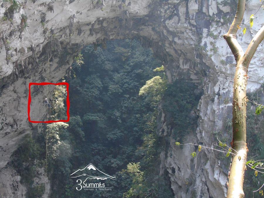 Rappel El Boquerón (200m-650ft)
